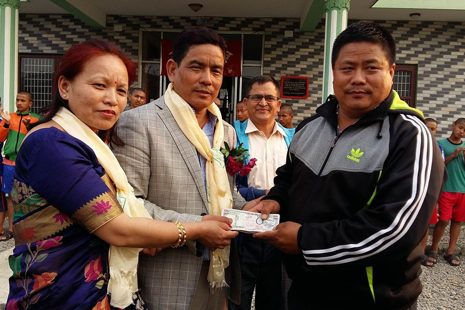 Kaski: Sahara Club Receive Rs 1,00,000 Support From Well Wishers