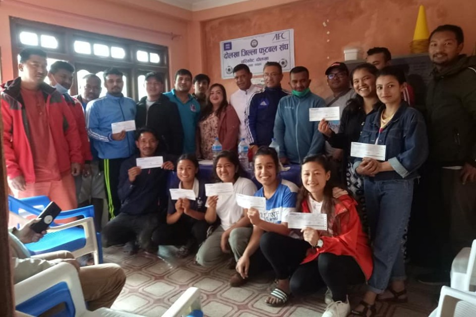 Dolakha DFA Provides COVID Relief To Players